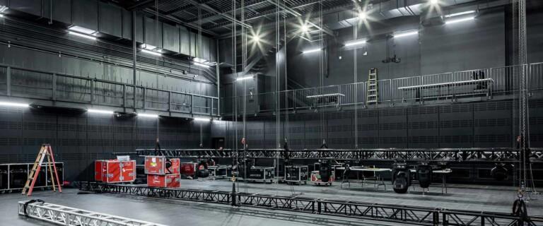 Le diamant quebec cultural venue roadcases rigging lighting setup